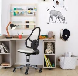 Lifetime Kidsroom Desk on Castors